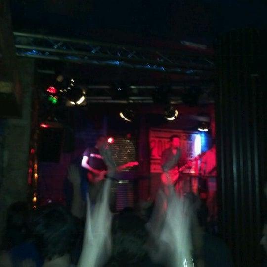 Foto tirada no(a) Moe Club por Renato M. em 3/31/2012