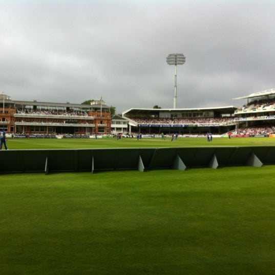 Foto tomada en Lord's Cricket Ground (MCC)  por Gareth B. el 9/2/2012