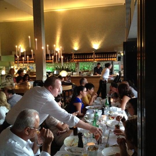 Foto scattata a Manta Restaurant da Michele C. il 2/11/2012