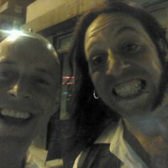 Снимок сделан в Barramundi Bar пользователем Tony F. 6/16/2012