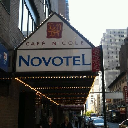 5/6/2012에 Hillary G.님이 Novotel New York Times Square에서 찍은 사진