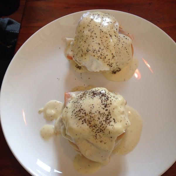Desayunos originales ! Huevos preparados en distintas formas creativas y presentaciones, el lugar muy original también