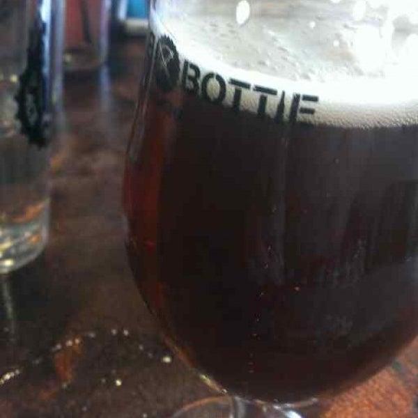 5/26/2013에 Clint S.님이 Black Bottle Brewery에서 찍은 사진