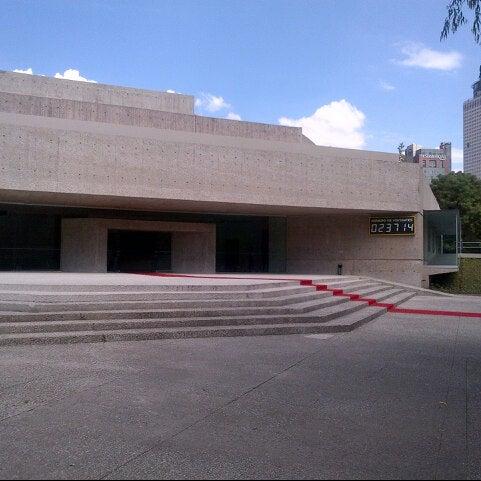 10/6/2012 tarihinde Axel A.ziyaretçi tarafından Museo Tamayo'de çekilen fotoğraf