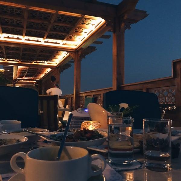 Qamreya Middle Eastern Restaurant In الأندلس