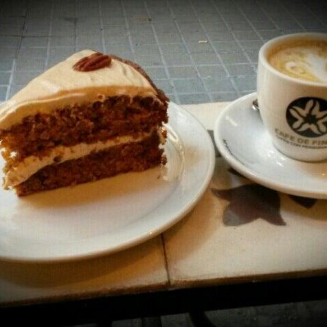 Photo prise au Spice Café par Paulina T. le8/28/2014