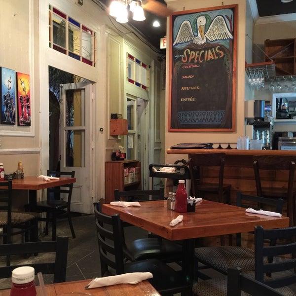 Снимок сделан в Somethin' Else Café пользователем Paul S. 10/21/2014