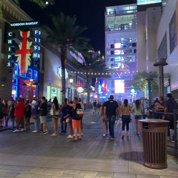 7/9/2019にSuzette L.がOff The Strip at The LINQで撮った写真