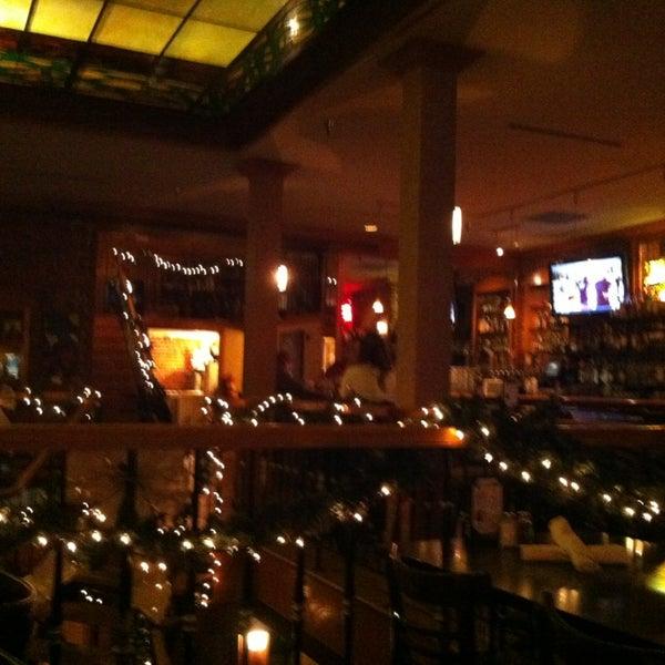 Photo prise au The Lobby par Tara J. le12/21/2012