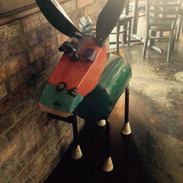 2/28/2015にCourtney E.がThe Nodding Donkey - SMU Blvdで撮った写真