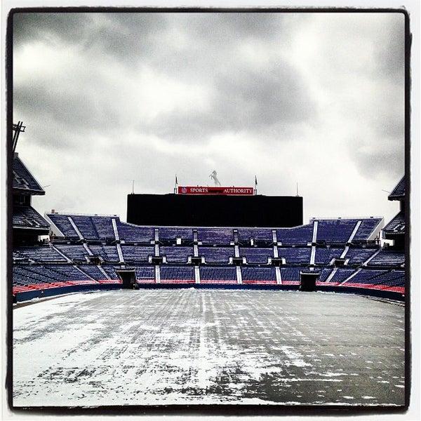 Foto diambil di Broncos Stadium at Mile High oleh Brian D. pada 4/23/2013