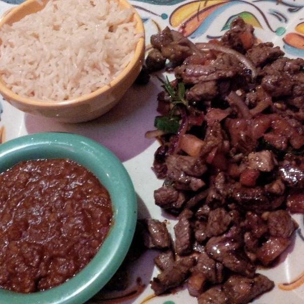 1/30/2015 tarihinde La Donna B.ziyaretçi tarafından Desta Ethiopian Kitchen'de çekilen fotoğraf