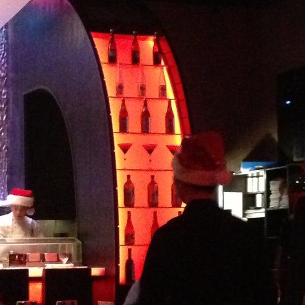 Foto tirada no(a) Nisen Sushi por Tania em 12/24/2012