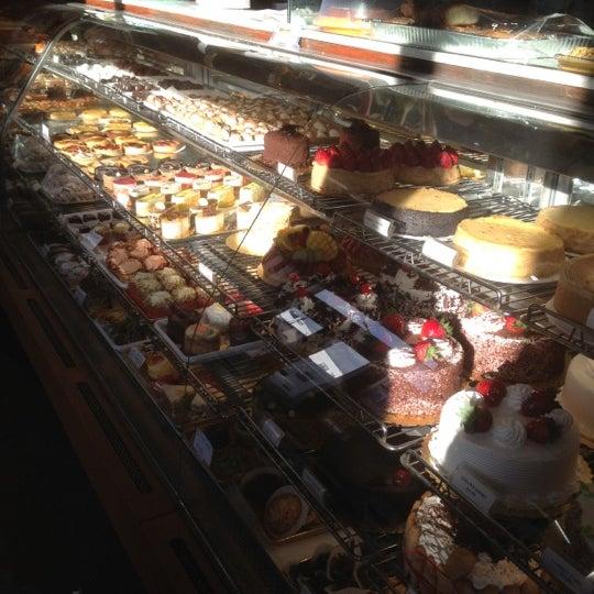Foto diambil di Settepani Bakery oleh Melanie T. pada 11/4/2012