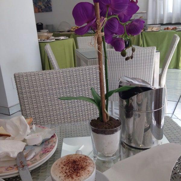 Das Foto wurde bei Hotel Villa Luisa von Andrea R. am 7/3/2015 aufgenommen