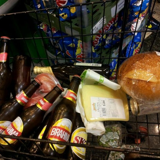 6/7/2012 tarihinde Ju T.ziyaretçi tarafından Shopping Center Penha'de çekilen fotoğraf