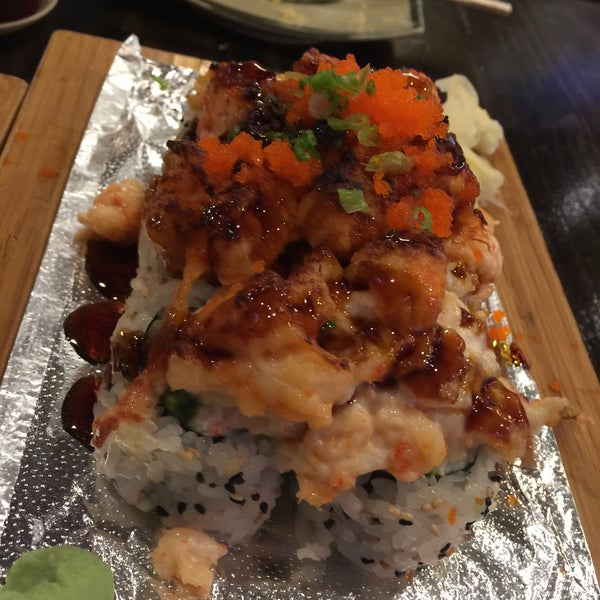 Photo prise au Rock & Roll Japanese Cuisine par Valerie C. le10/3/2015