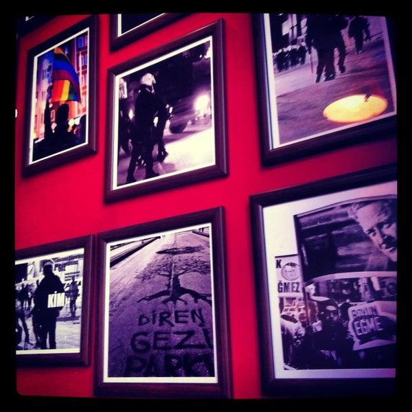 8/3/2013 tarihinde Gizem T.ziyaretçi tarafından Social Pub'de çekilen fotoğraf