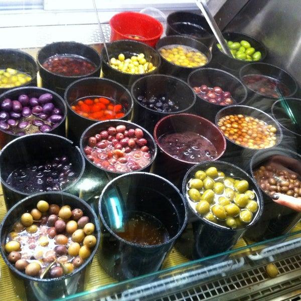 12/29/2012에 john h.님이 Tony Caputo's Market & Deli에서 찍은 사진