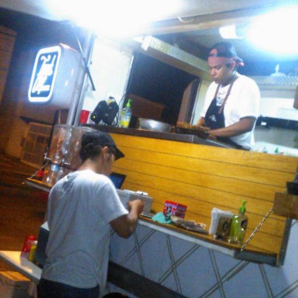 Das Foto wurde bei Truck Chef Urban Food von AnaGaby R. am 8/13/2014 aufgenommen