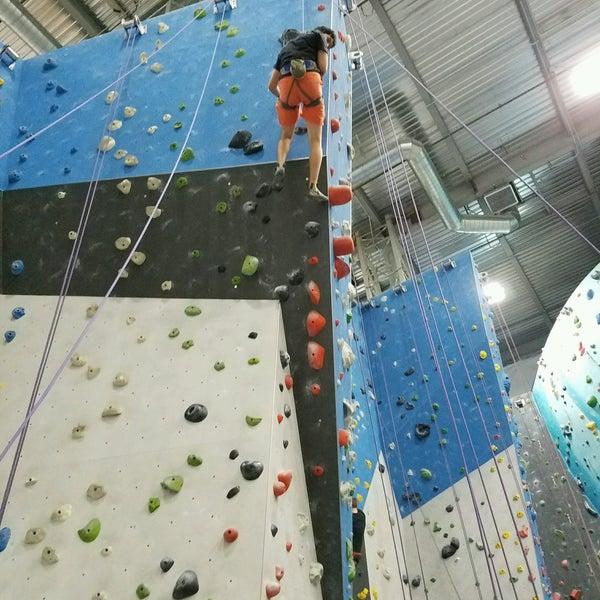 7/27/2016にKyle H.がSender One Climbing, Yoga and Fitnessで撮った写真