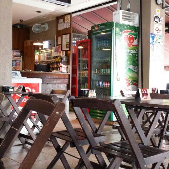 Foto tomada en Eskina Bar e Restaurante por Andrés R. el 12/11/2013