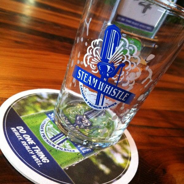 12/19/2012 tarihinde Lucas M.ziyaretçi tarafından Steam Whistle Brewing'de çekilen fotoğraf