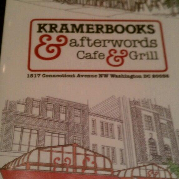 Photo prise au Kramerbooks & Afterwords Cafe par Dante F. le6/21/2013