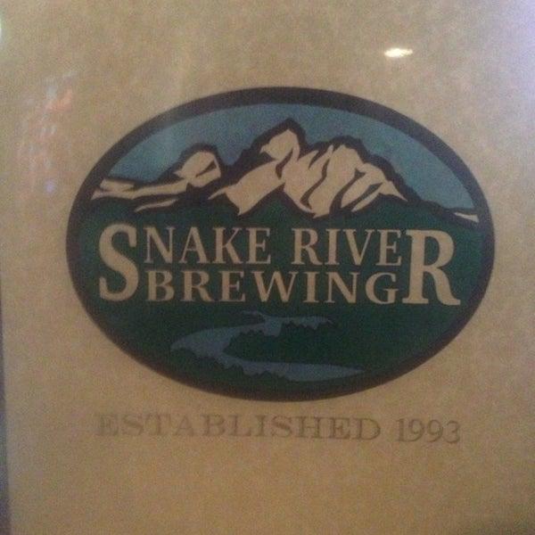 Das Foto wurde bei Snake River Brewery & Restaurant von Beckie R. am 7/6/2013 aufgenommen