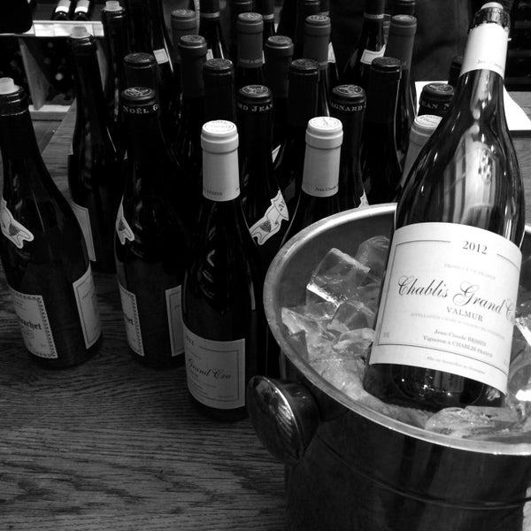 Photo prise au Flatiron Wines & Spirits - Manhattan par Kinjil M. le2/28/2015