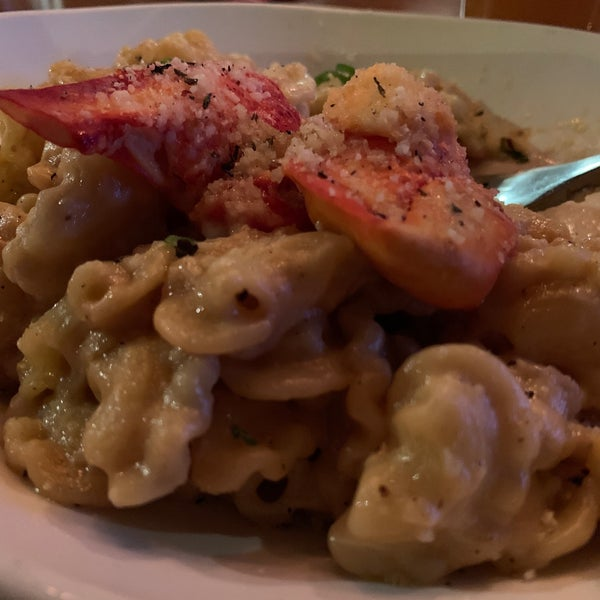Had the lobster Mac & Cheese. Words can't describe how good this is. Insane!