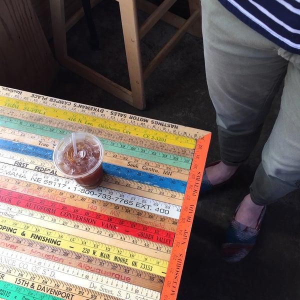 4/12/2015에 Janelle N.님이 Peace Coffee Shop에서 찍은 사진