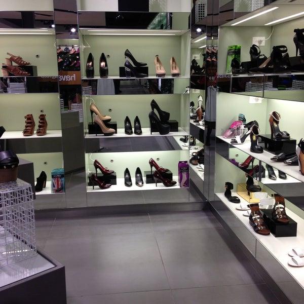 shoe shops highpoint shopping centre