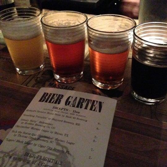 Foto tirada no(a) The Federal Food Drink & Provisions por Ed em 9/29/2012