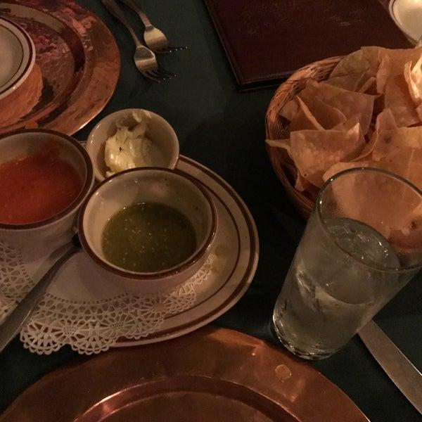Foto tirada no(a) Javier's Gourmet Mexicano por Leor S. em 8/3/2017