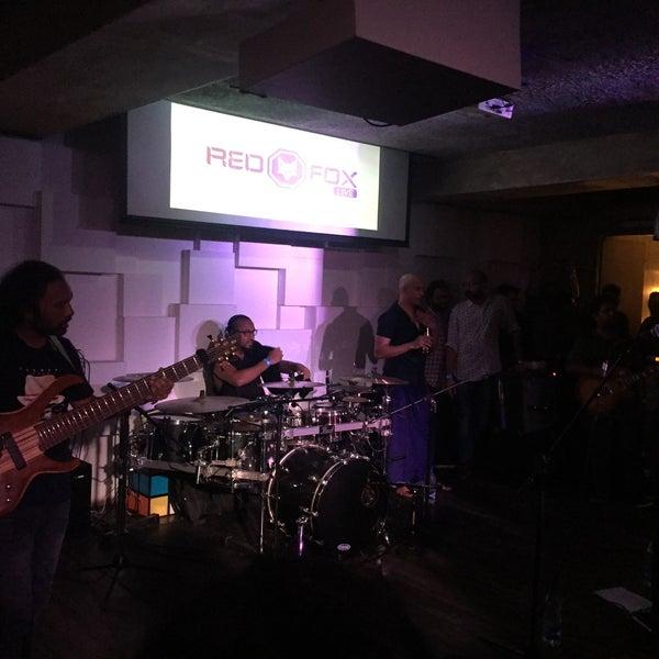 รูปภาพถ่ายที่ Indigo Live - Music Bar โดย Shab M. เมื่อ 2/12/2016