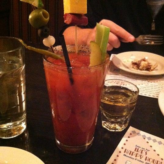 10/6/2012에 Jordan C.님이 Ike's Food & Cocktails에서 찍은 사진