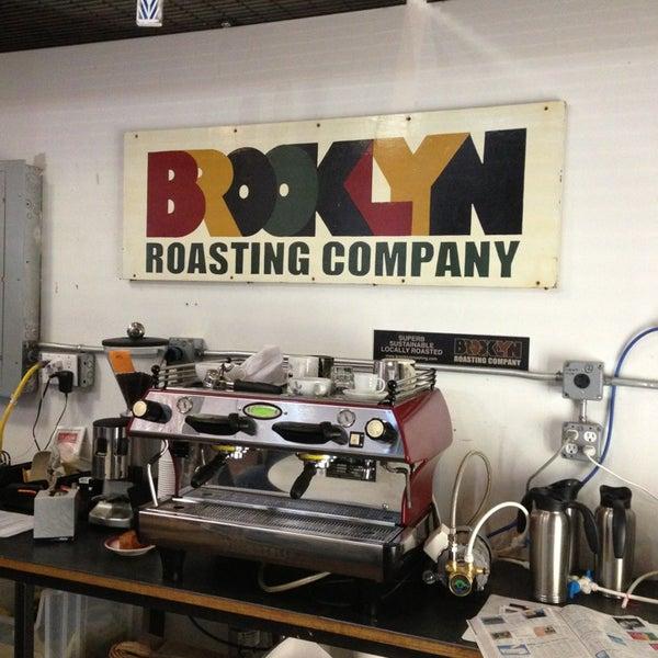 Das Foto wurde bei Brooklyn Roasting Company von Greg Y. am 4/1/2013 aufgenommen