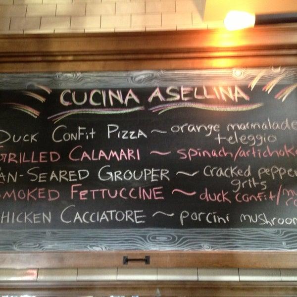 Foto tirada no(a) Cucina Asellina por Natasha S. em 1/26/2013