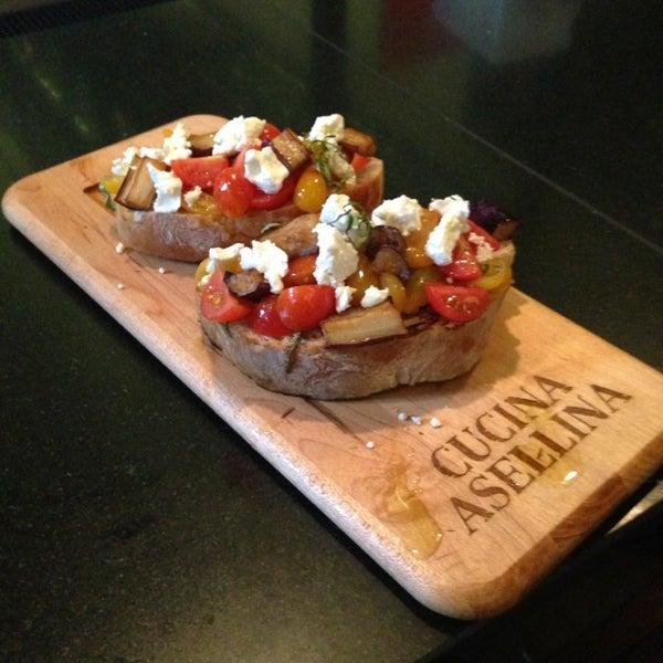 Foto tirada no(a) Cucina Asellina por Natasha S. em 2/6/2013