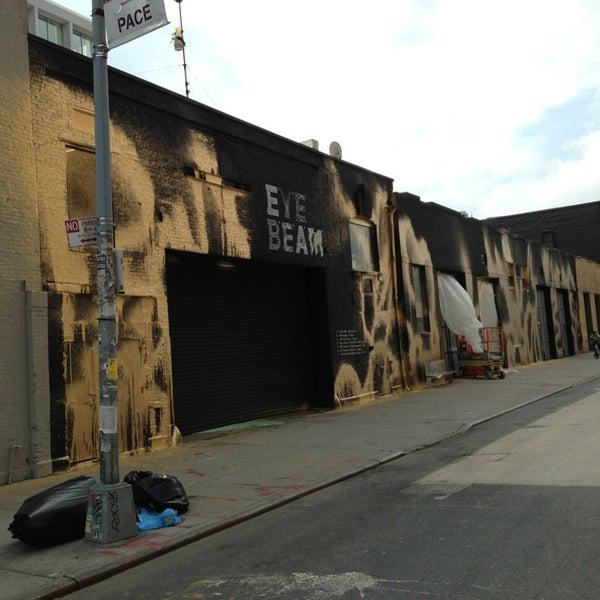 Das Foto wurde bei Eyebeam Art + Technology Center von Tobias L. am 4/4/2013 aufgenommen