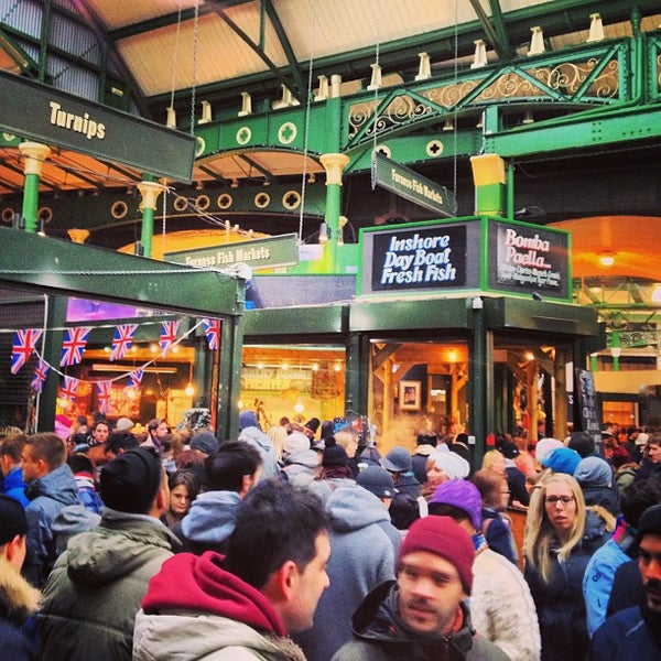 Foto tirada no(a) Borough Market por Kelly J. em 2/23/2013
