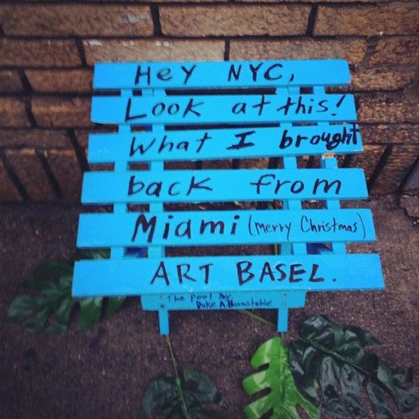 Photo prise au Moran's - Chelsea par Michelle M. le12/16/2012