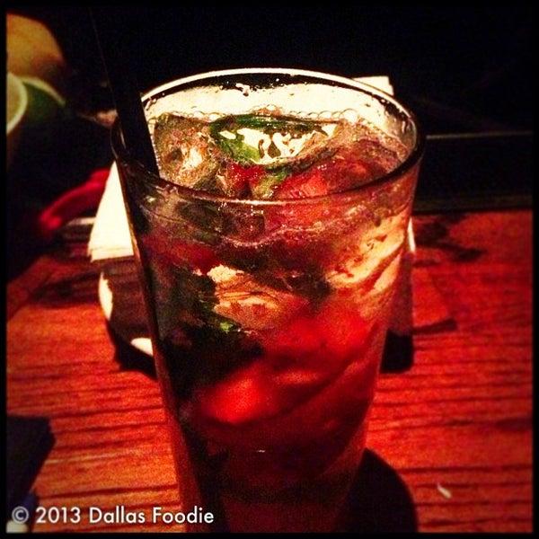Photo prise au The Gin Mill par Dallas Foodie (. le4/28/2013