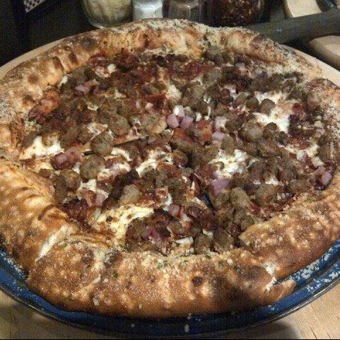11/16/2012にByron M.がJoey's Pizzeriaで撮った写真
