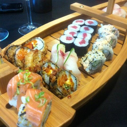 10/4/2012 tarihinde Dominique R.ziyaretçi tarafından Taiyo Sushi Bar'de çekilen fotoğraf