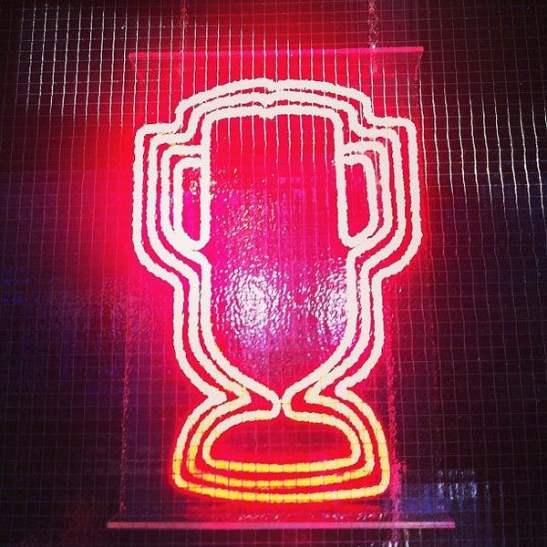 5/4/2013にSCOがTrophy Barで撮った写真