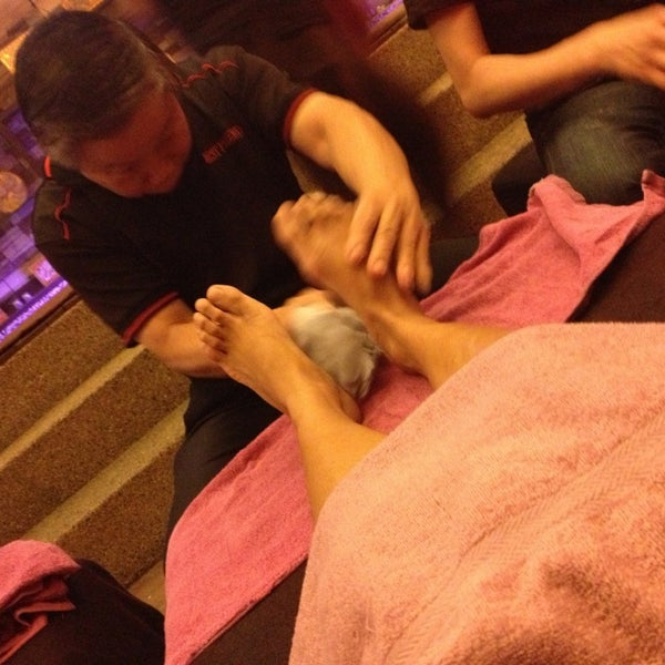 Photo taken at Best Friend Foot Massage & Health Therapy by Assila  Abdullah (.