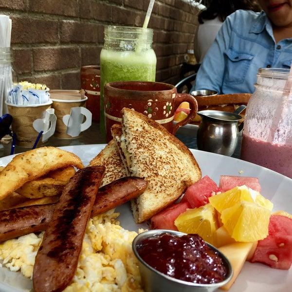 Súper lugar, excelente el sabor de la comida y la presentación aún más 💙 es el lugar perfecto para desayunar rico y con buen ambiente 👏🏼 👍🏻