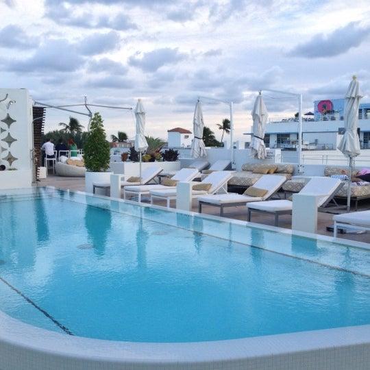 12/5/2012にJared H.がDream South Beach Hotelで撮った写真
